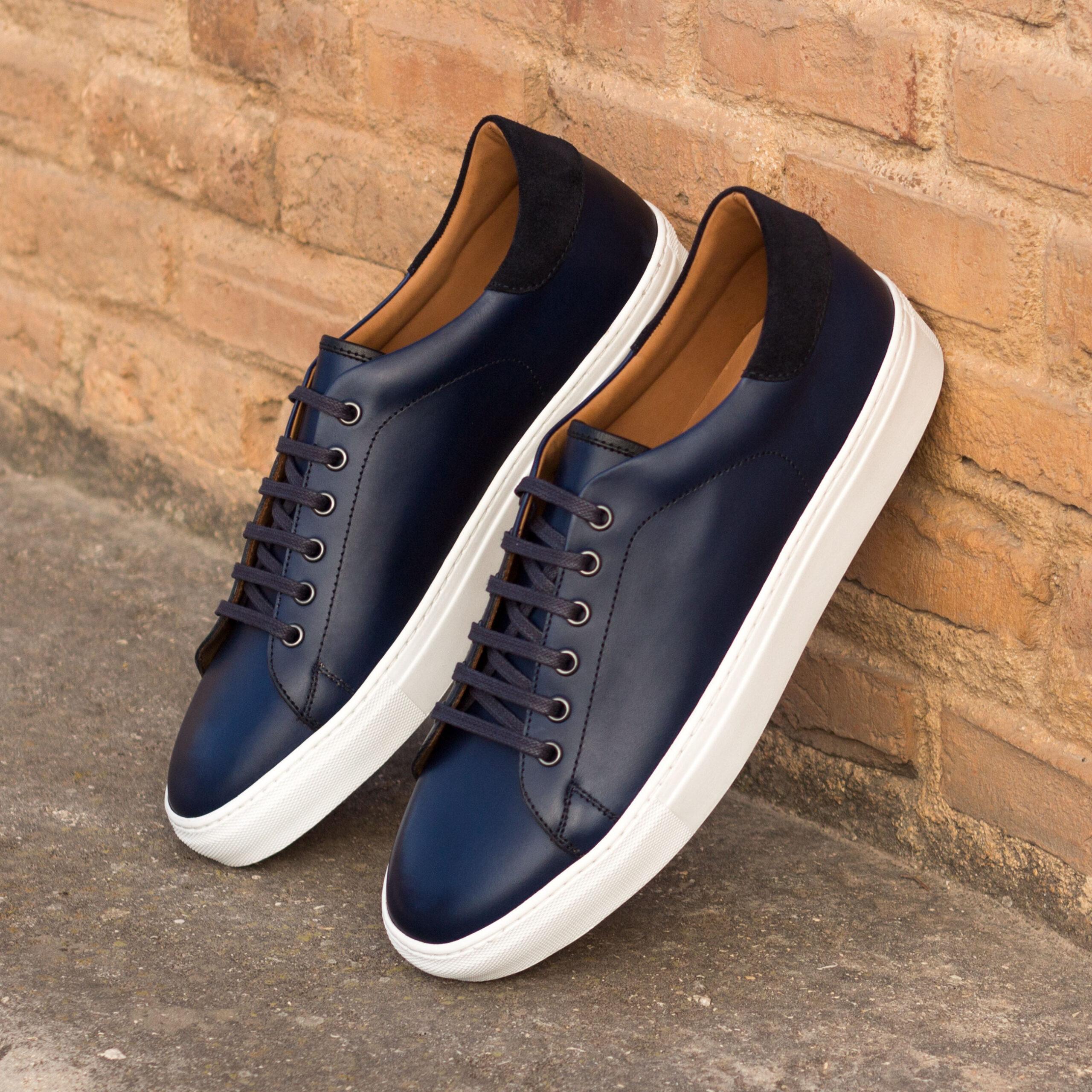 Où acheter des baskets sneakers sport outdoor tendance homme cuir lisse ou suedé bleu en ligne?