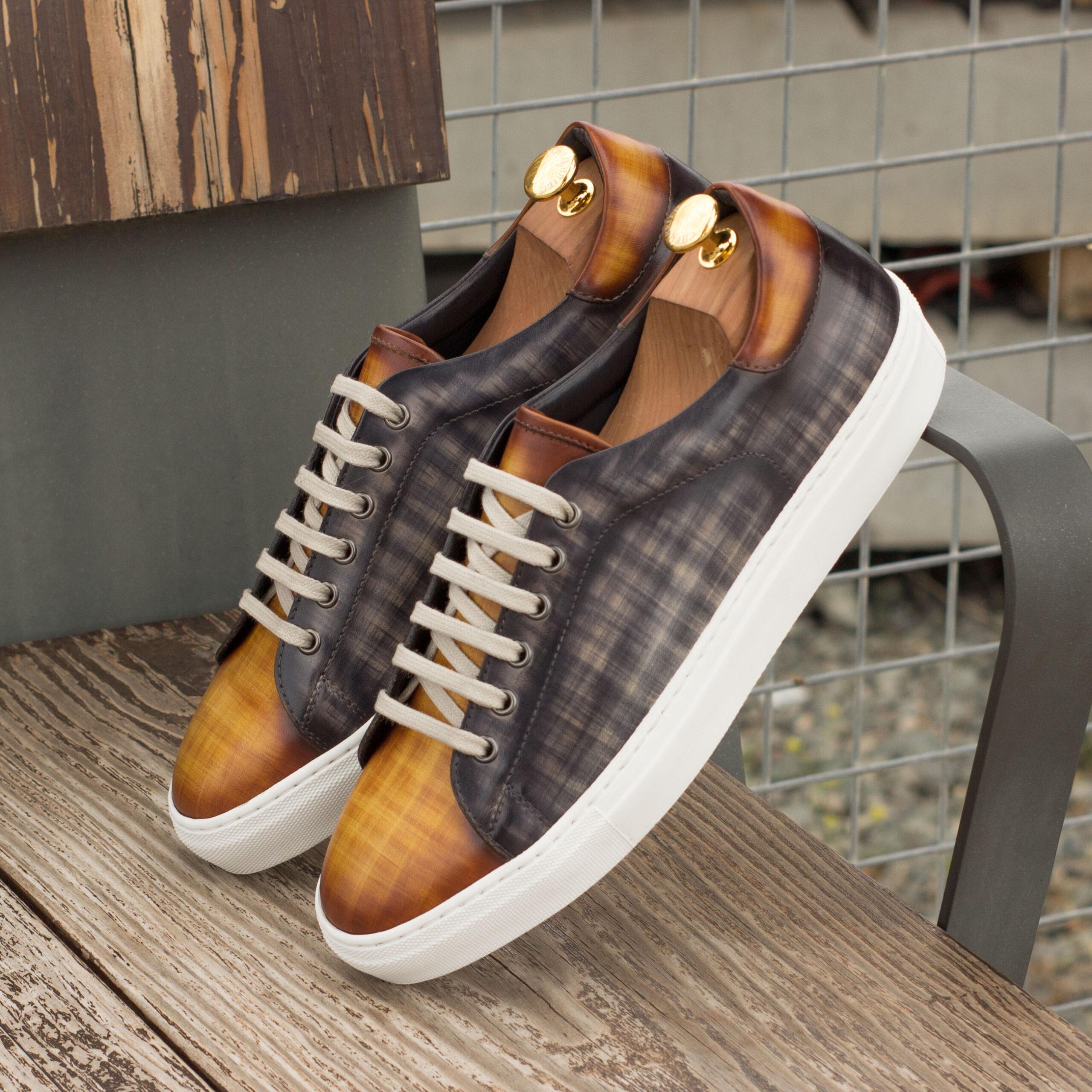 Baskets patine grise et cognac faite à la main